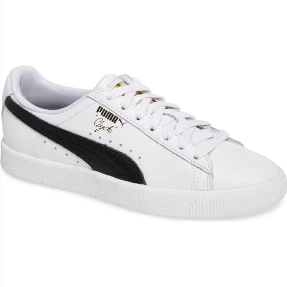Women s Puma Clyde sneakers. M 5b5273e48158b51eed7817d7 3255a50160